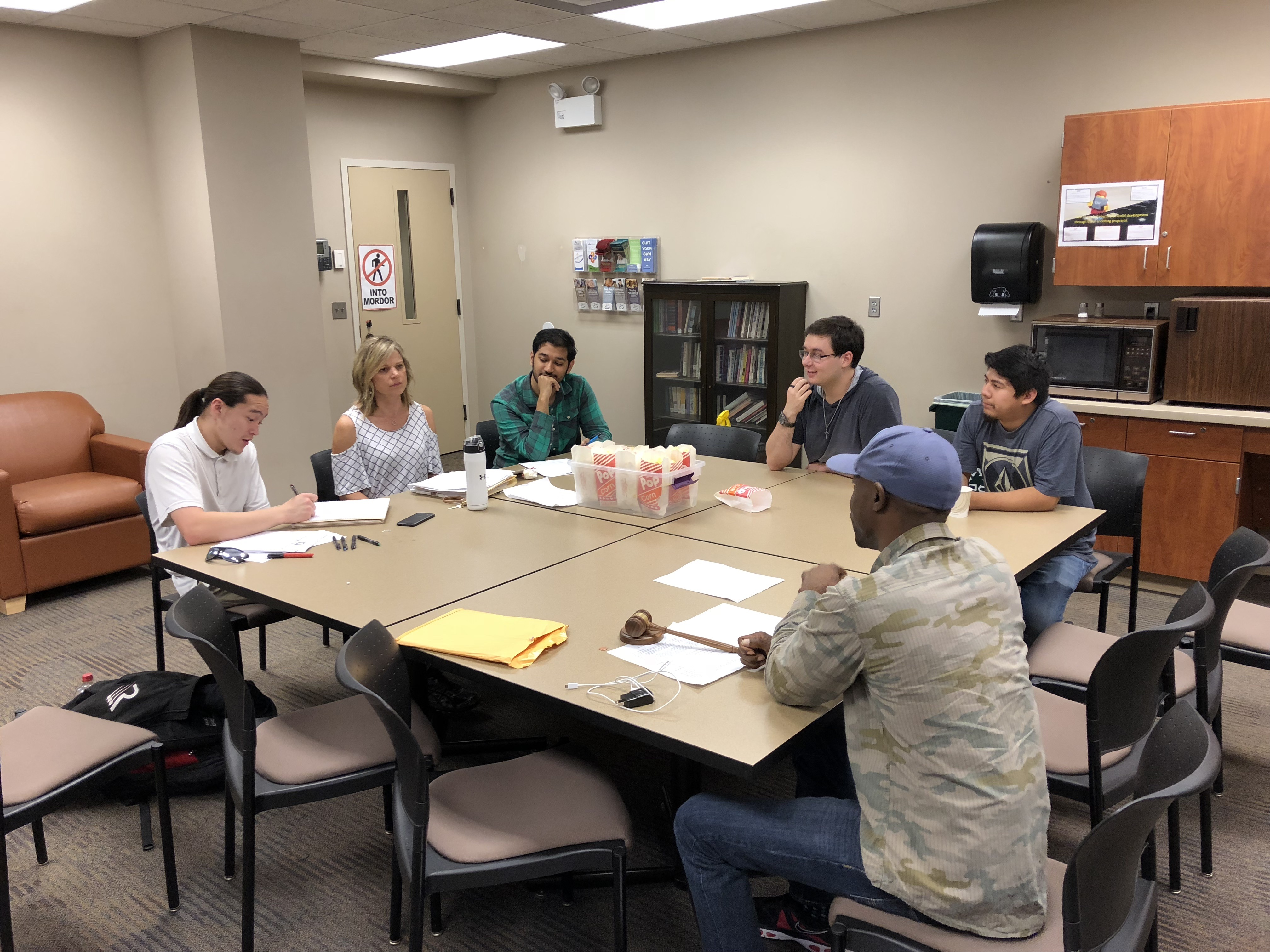 Student senate members meet on Sept. 19 on the Coon Rapids campus. The Coon Rapids Student Senate meets every Wednesday at 2 p.m.  Photo by Jeffrey Leonard
